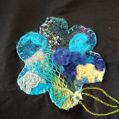 detail-bloem-van-bruine-katoenen-tas
