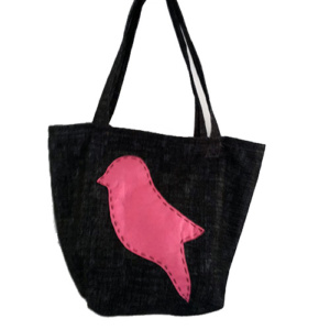 zwarte tas met roze vogel