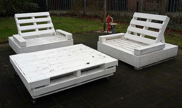 pallet-bank-stoelen-met-tafel