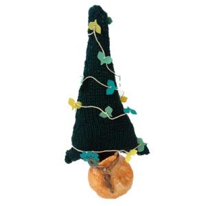 Kerstboom gebreid met vrolijke slinger