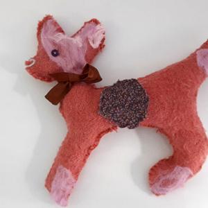 Roze knuffel hert