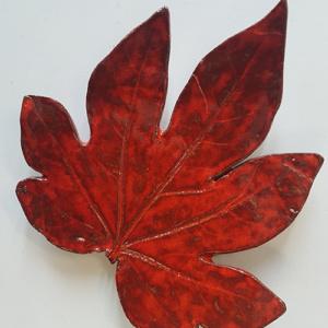 Keramiek schaaltje het blad van de vingerplant