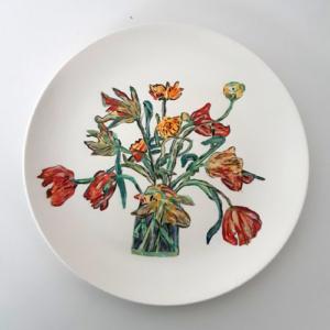 Bord met tulpen