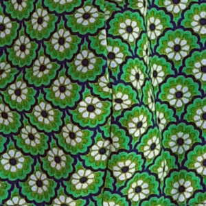 mondkapje middel groen met bloemetjes