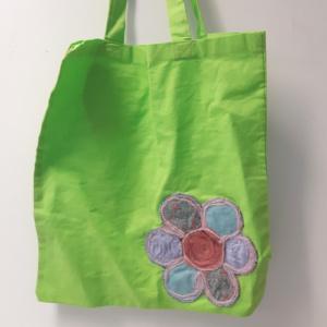 groene tas met uil en bloem