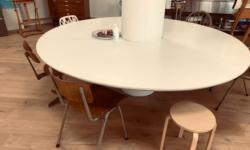 de-kunstenaars-van-de-ronde-tafel